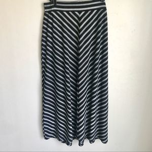 Faded Glory Plus Size Black White Stripes Skirt